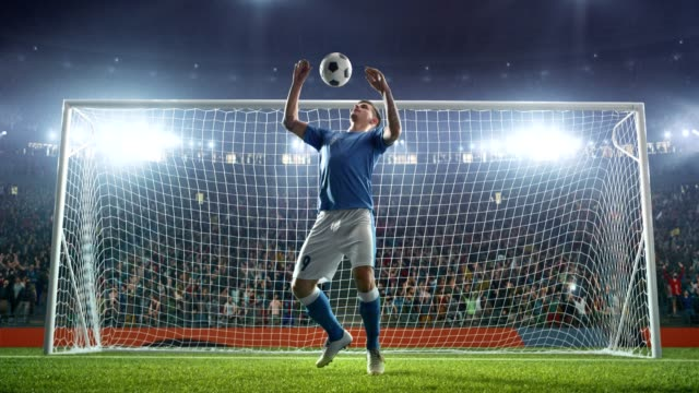 Soccer-player-show-his-skils