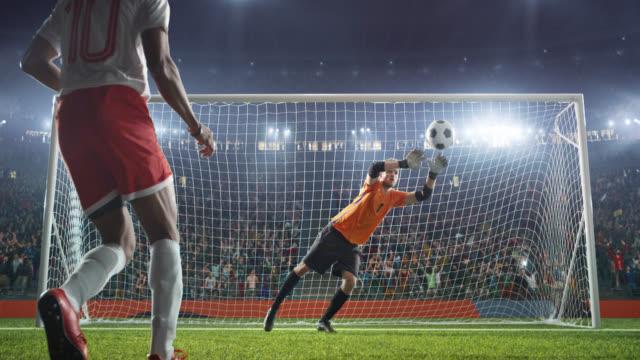 Fútbol-portero-Salta-y-salva-bola