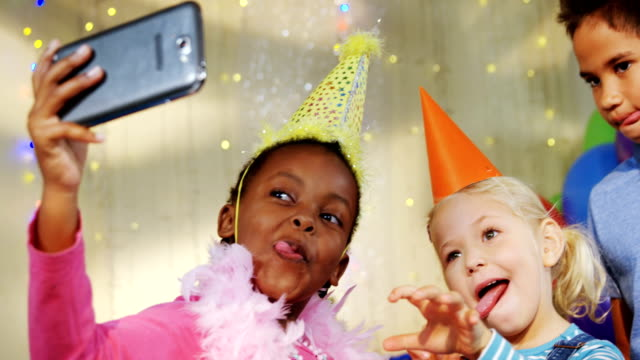 Kids-talking-selfie-during-birthday-party-4k