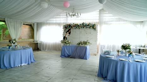 Decorating-wedding-banquet-hall-interior