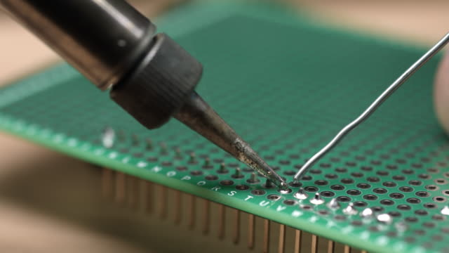 Soldering-strip-pin-connector