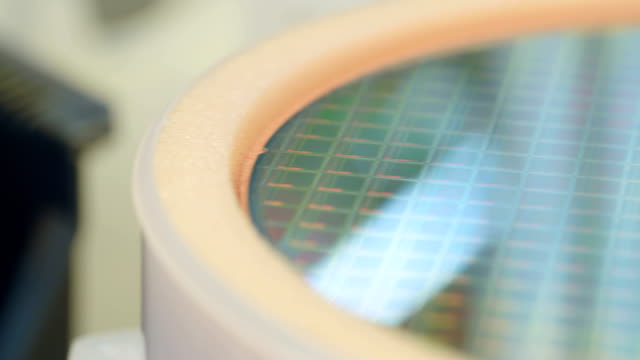 Silicon-wafer-production-in-a-semiconductor-manufacturing-facility