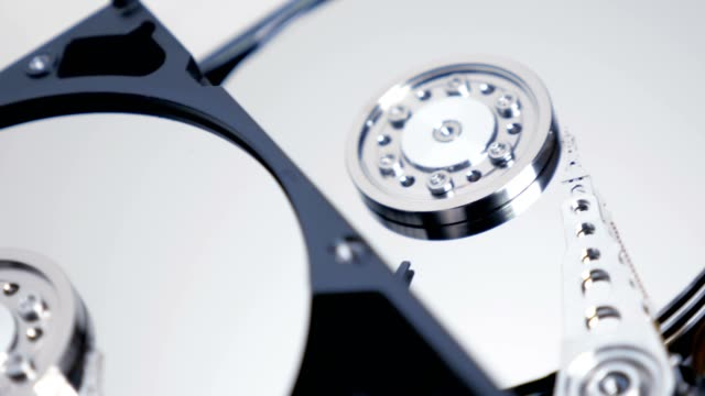 Hard-Disk-Drive-Track-Shot-03-4K