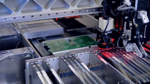 Circut-Board-machine-Produces-Printed-digital-electronic-board-