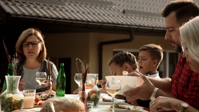 Family-having-dinner-together