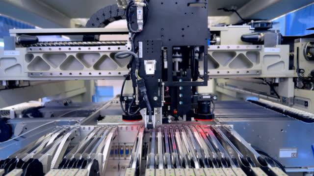 Producción-de-la-viruta-del-microcircuito-Línea-de-producción-de-microelectrónica-4K-
