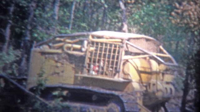 ARKANSAS-EE-UU---1965:-Máquina-excavadora-compensación-el-bosque-de-un-nuevo-hogar-