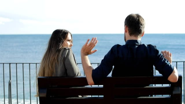Woman-rejecting-a-friend-in-first-date