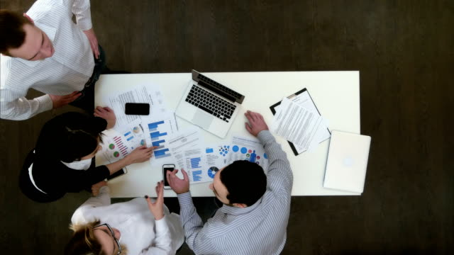 Businesspeople-having-small-argument-in-the-office