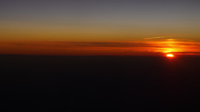 sunset-sun-light-airplane-window-view-panorama-4k-china