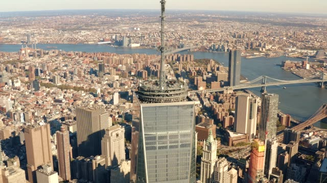 Aerial-view-of-Lower-Manhattan-and-East-River-4k