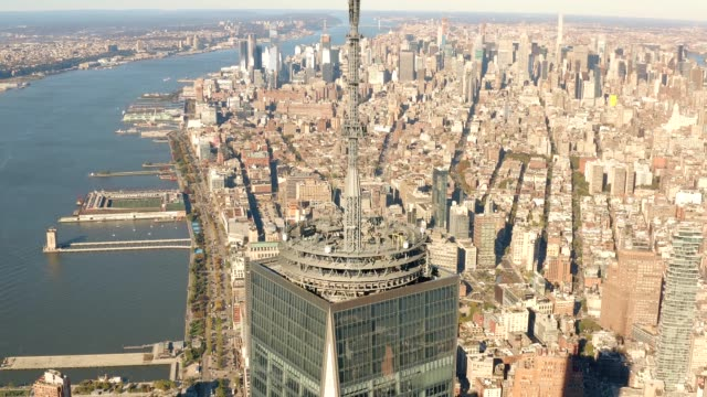 Aerial-view-of-Manhattan-Freedom-Tower-and-New-Jersey-4k