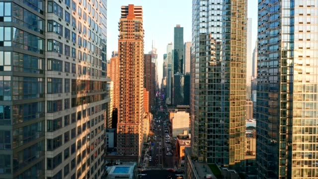 Aerial-drone-footage-of-New-York-skyline