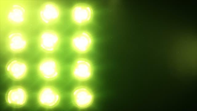 Luces-de-escenario-y-sonido-Verde-Primer-plano-