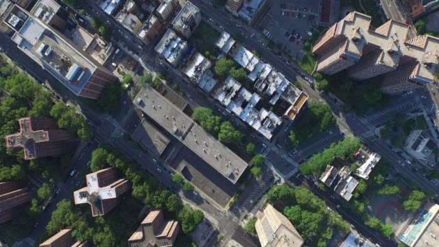 NYC-Aerial-Shot-Flying-Over-Apartment-Buildngs