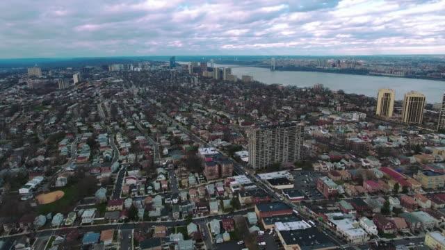 Cliffside-Park-NJ-vista-aérea-del-puente-del-GW-en-la-distancia