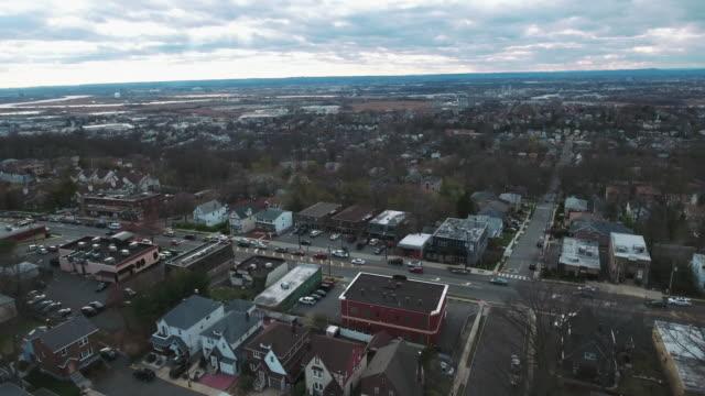 Cliffside-Park-NJ-puente-aéreo-casas-y-tráfico