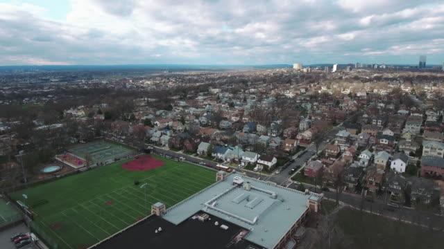Cliffside-Park-NJ-descendiendo-sobre-la-escuela