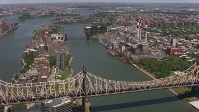 Flying-over-Roosevelt-Island-and-Queensboro-Bridge-