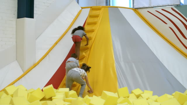 Children-Climbing-Stairs-of-Inflatable-Structure