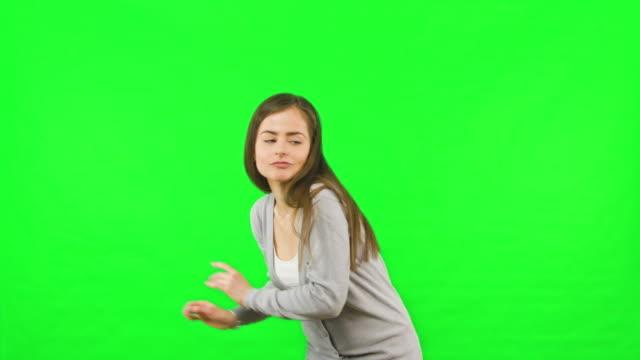 Mujer-bailando-de-fondo-de-pantalla-clave-de-croma-verde