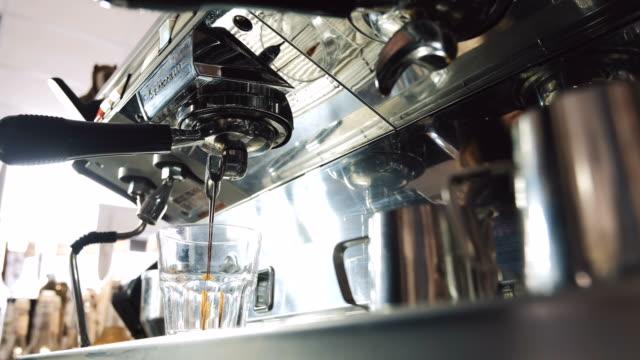 Making-fresh-espresso