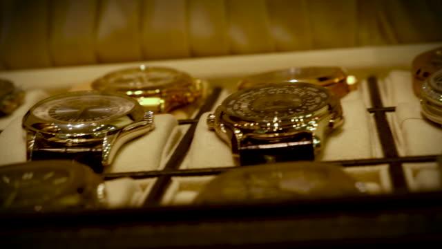 watch-luxury-handheld