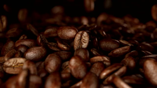Falling-coffee-beans-in-4k-slow-motion-1000fps