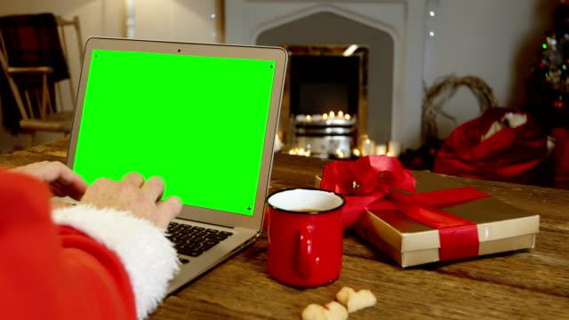 Santa-claus-con-capacidad-para-computadora-portátil-