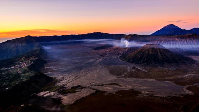 The-Bromo-Volcano-Sunrise-Landmark-Nature-Travel-Place-Of-Indonesia-4K-Time-Lapse-(pan-shot)