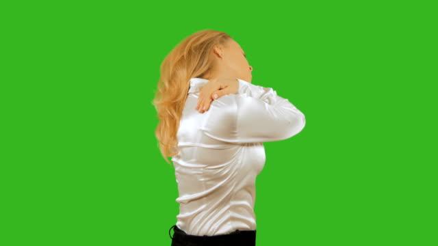 4k-Girl-blonde-sore-shoulder-Isolated-on-a-background-Mockup-chromakey