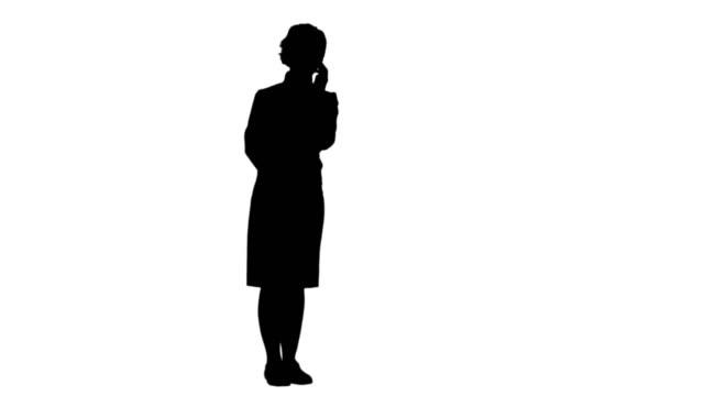 Silhouette-Smiling-Frau-mit-einem-Anruf-verfolgen-matte