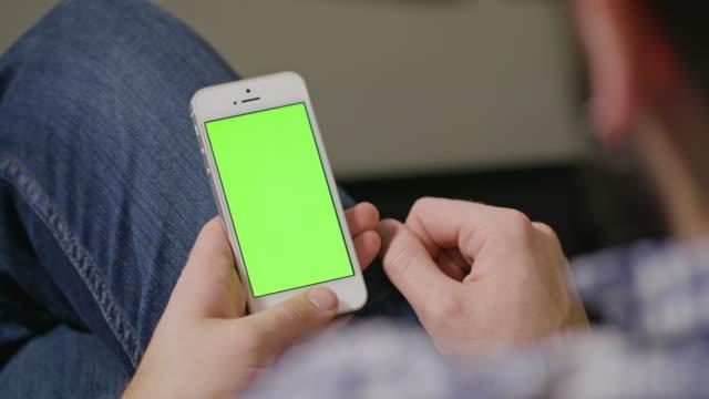 Green-Screen-Phone-Man