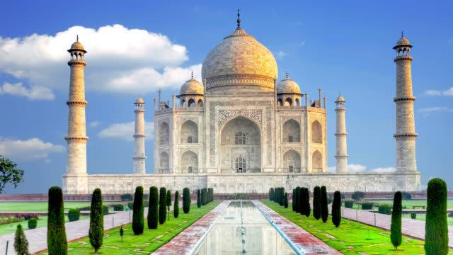 Beautiful-Palace-of-the-Taj-Mahal-Agra-India-