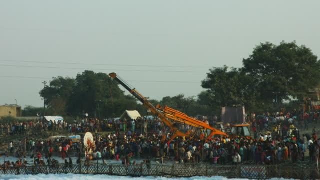 Time-Lapse-shot-of-people-at-riverbank-Yamuna-River-Delhi-India