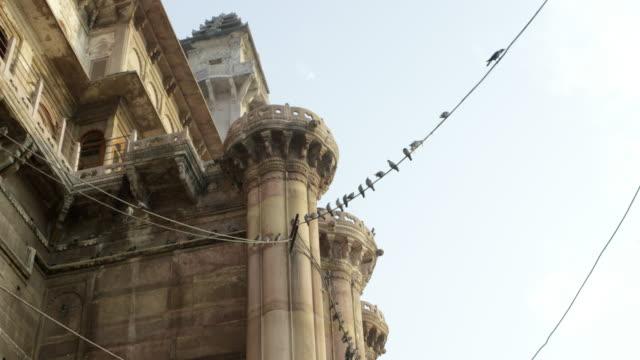 Templo-con-palomas-