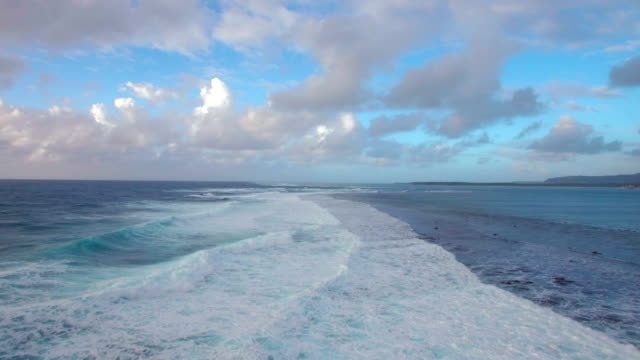 Seascape-with-foamy-waves-of-blue-Indian-Ocean-aerial-view