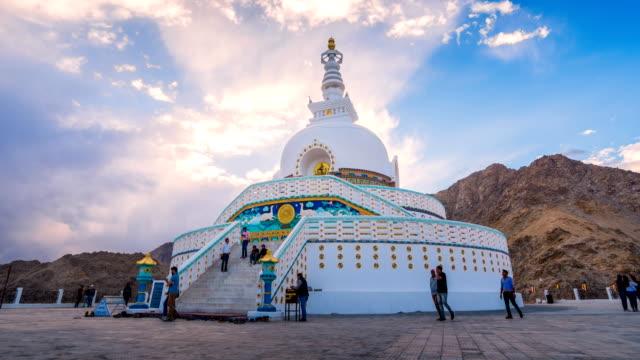 Time-lapse-of-Shanti-stupa-at-Leh-ladakh-in-sunset