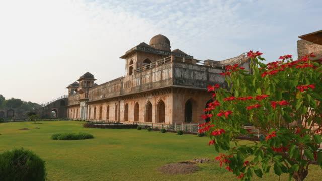 Mandu-India-Afganistán-ruinas-del-islam-Unido-Mezquita-monumento-y-tumba-musulmana-Jahaza-Mahal-