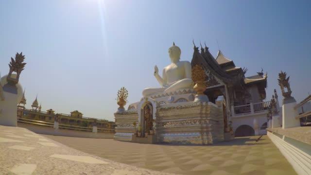 White-Buddha-Statue-At-Wat-Metta-Putharam-Thai-Temple-Bodh-Gaya-India