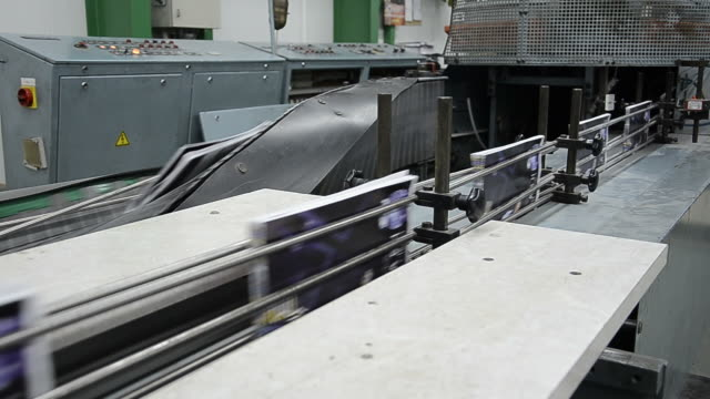 printed-book-production-line-into-press-plant-house