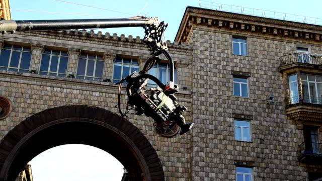The-camera-on-the-crane
