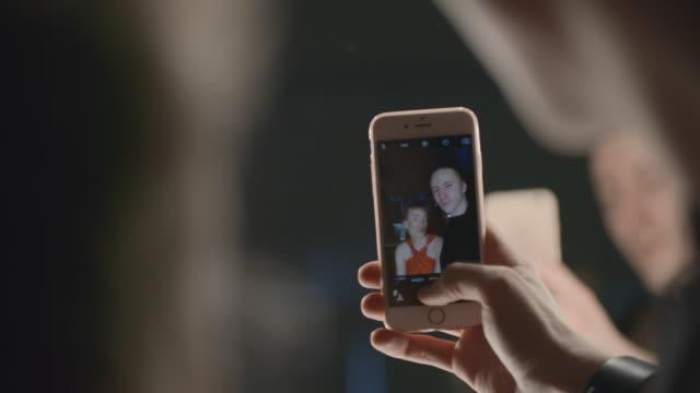 """Espejo-de-los-\""""-Selfies\""""-tomar"""