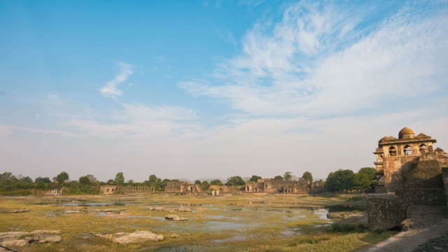 Time-lapse-Mandu-India-afghan-ruins-of-islam-kingdom-mosque-monument-and-muslim-tomb-