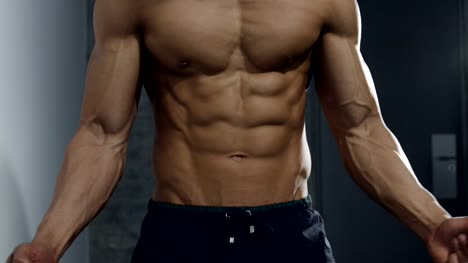 Details-of-a-Fitness-Model-s-Upper-Body