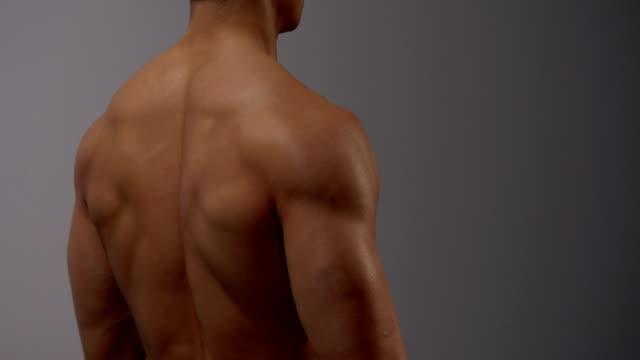 Fitness-Model-Squats