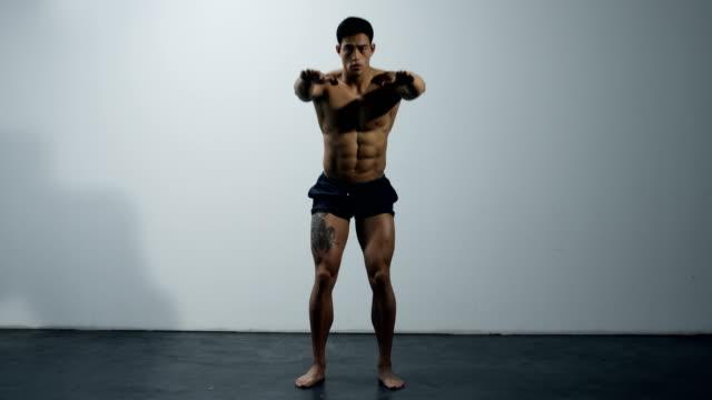 Fitness-Model-Leg-Exercise-Squats