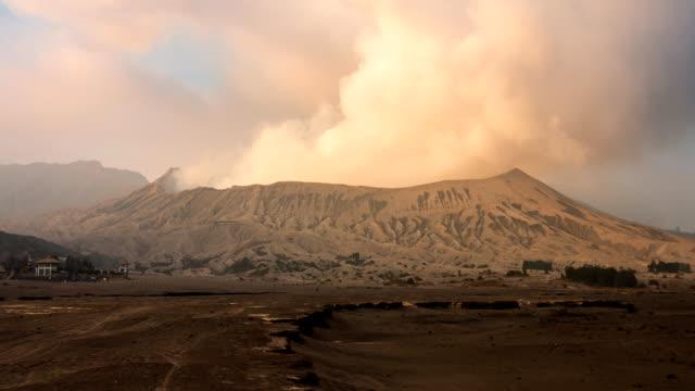 Bromo-Volcano-Landmark-Nature-Place-Of-Indonesia-4K-Time-Lapse-(tilt-up)
