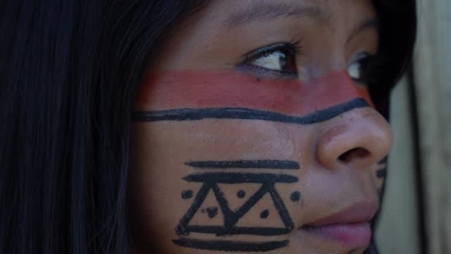 Mujer-indígena-en-Brasil