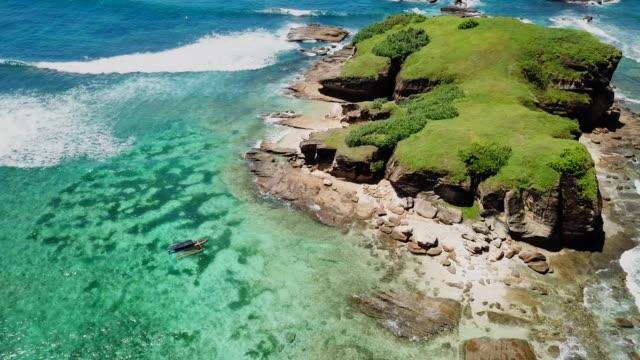 Vuelo-sobre-las-costas-de-la-isla-de-Lombok